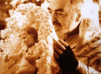 Padre Pio Brings Us Into the Mystery of the Baby Jesus
