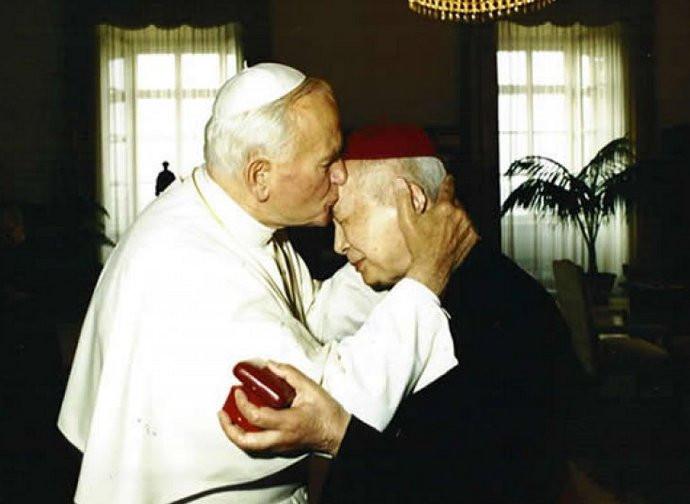 Cardinal Kung Pinmei with pope John Paul II
