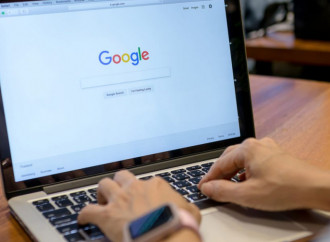 """The NYT accuses Google: """"You support online paedophilia"""""""