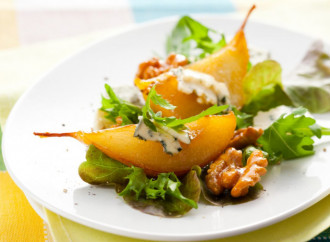 Roasted pear salad with honey and gorgonzola