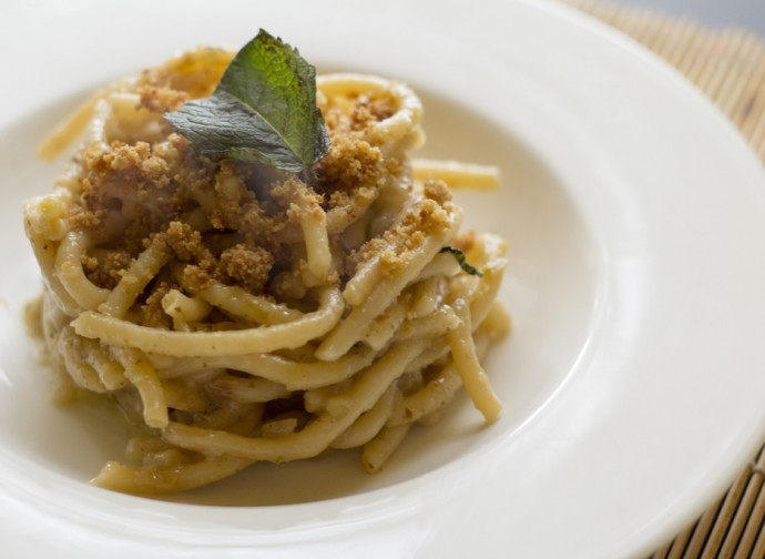 Pici with breadcrumbs