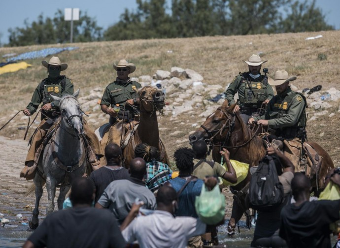 Police halting Haitian migrants on the Rio Grande
