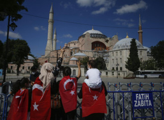 Erdogan intends to restore the Caliphate