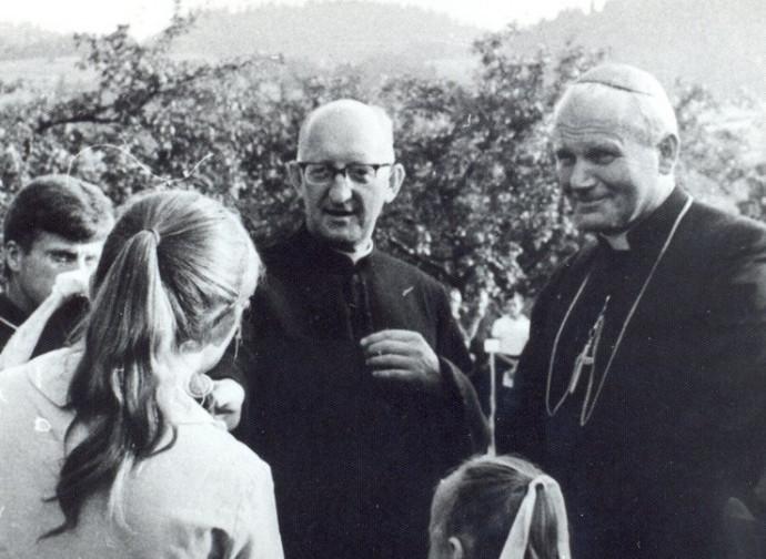 Il cardinal Wojtyla e Blachnicki nel 1972